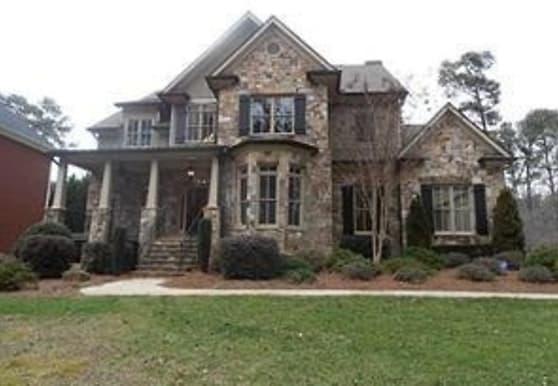 4140 Spalding Dr, Atlanta, GA