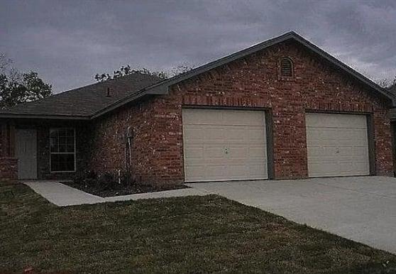 7807 Novella Dr, Fort Worth, TX
