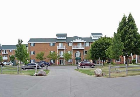 Colonial Court Apartments, Pulaski, WI