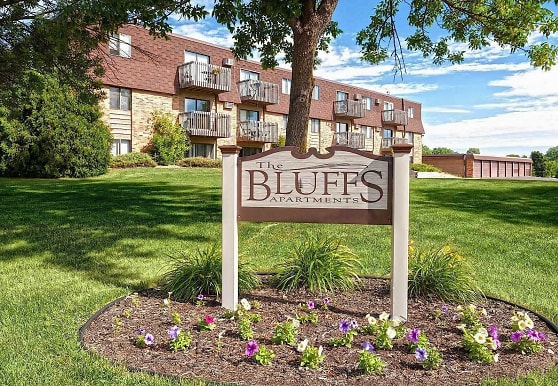 The Bluffs Apartments, Monticello, MN