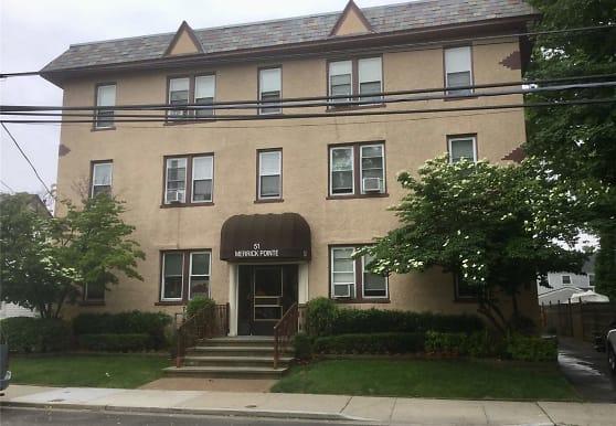 51 Smith St B2, Merrick, NY