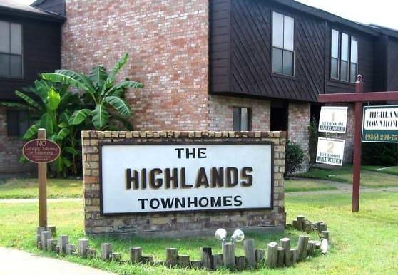 The Highland Townhomes, Huntsville, TX