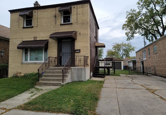 2127 W 72nd St, Chicago, IL