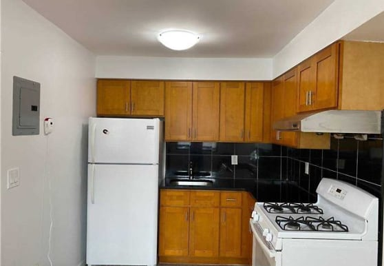 52-15 90th St, Queens, NY