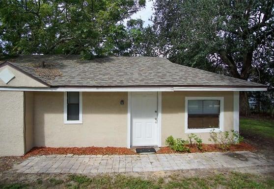 508 S 8th St, Lake Wales, FL