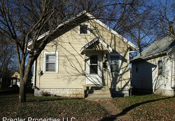 157 Dearborn Ave, Waterloo, IA
