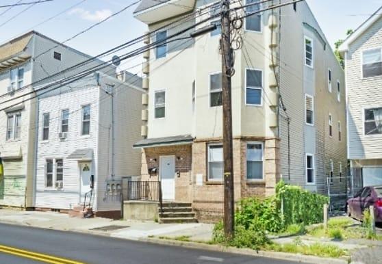 645 Grove St 3, Irvington, NJ