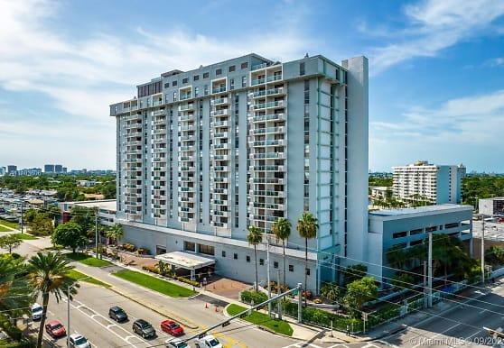 13499 Biscayne Blvd 610, North Miami, FL