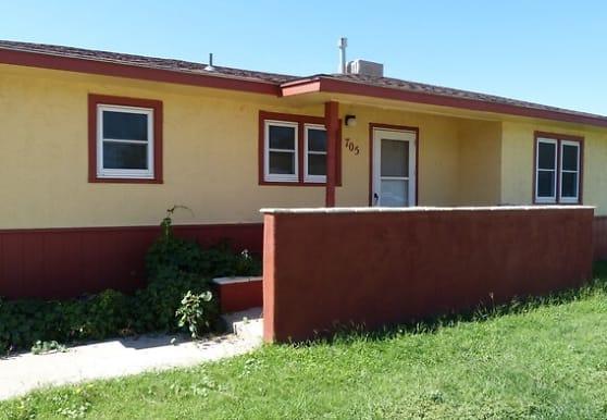 705 Sandia Dr, Clovis, NM