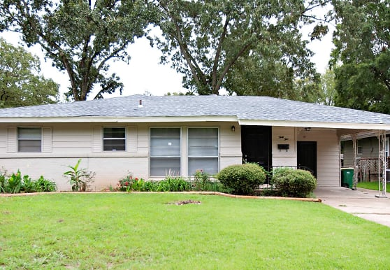 35 Rugby Dr, Little Rock, AR