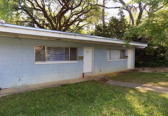 223 Atkinson Dr, Tallahassee, FL