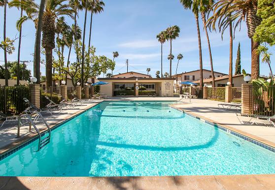 Majestic Apartments, El Cajon, CA