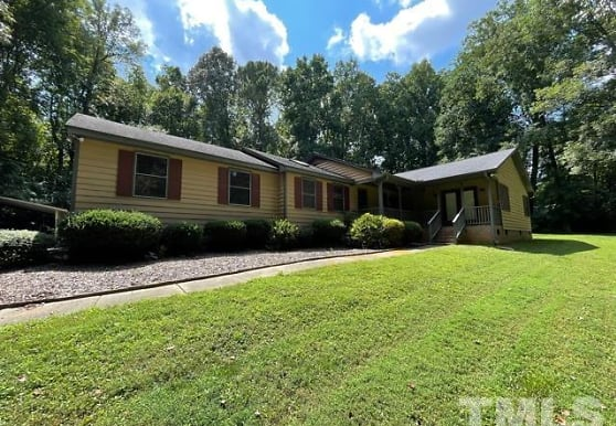 2717 Panther Dr, Raleigh, NC