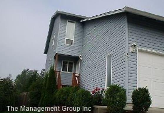 803 NW Logan St, Camas, WA
