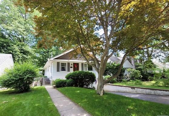 795 Berkley St, New Milford, NJ