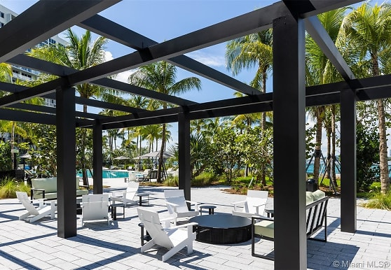 1500 Bay Rd N-923, Miami Beach, FL