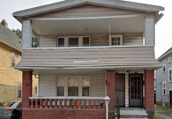 947 Paxton Rd, Cleveland, OH