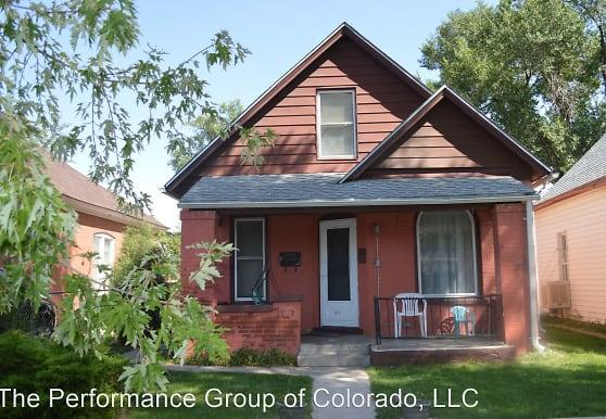 1012 Cedar St, Pueblo, CO