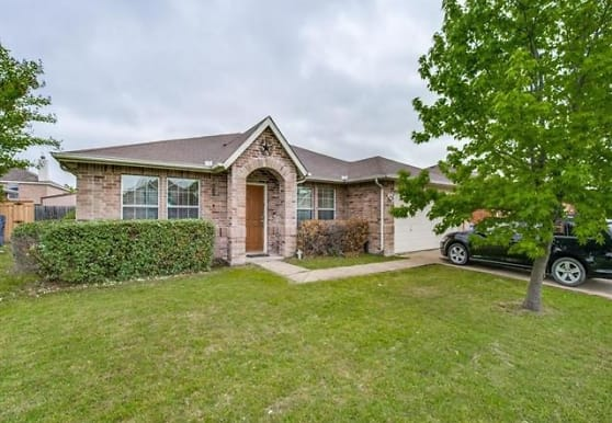 2110 Rose May Dr, Forney, TX