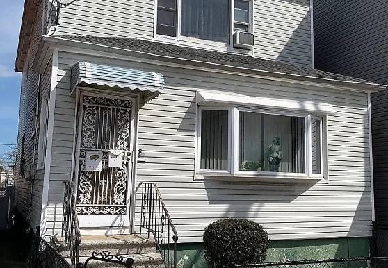 1412 Gillespie Ave 1FL, Bronx, NY