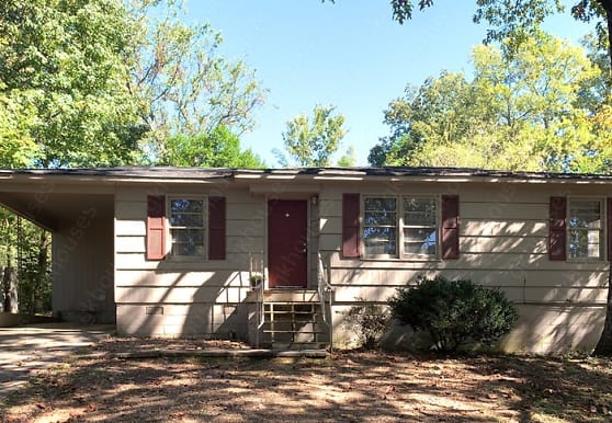 1365 5th Pl NW, Center Point, AL