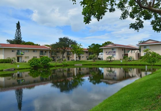Palm Island Club, Tamarac, FL