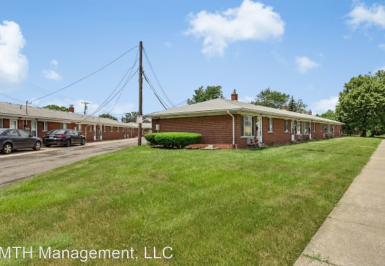 2201 London Ave, Lincoln Park, MI