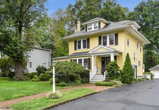 136 Stanmore Pl, Westfield, NJ