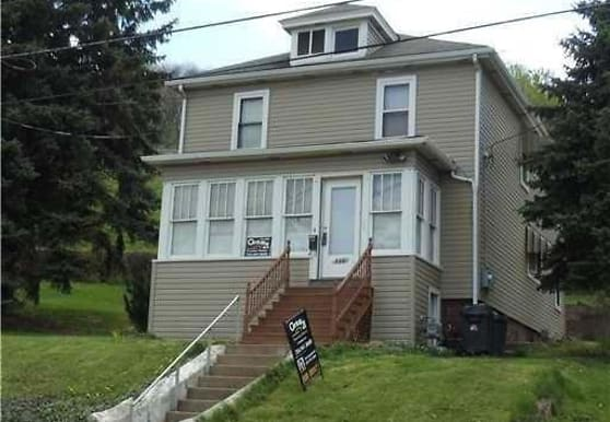 446 Old Pike St, Canonsburg, PA