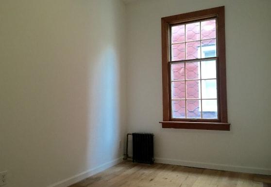 555 18th St, Brooklyn, NY