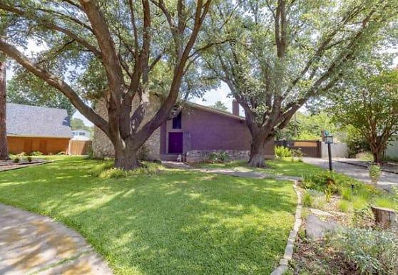 8435 Greenstone Dr, Dallas, TX