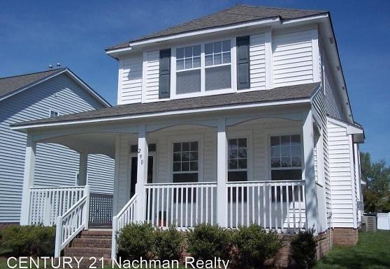 290 Mockingbird Ln, Hampton, VA