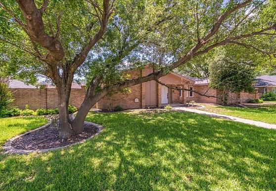 5003 Castleford Rd, Midland, TX