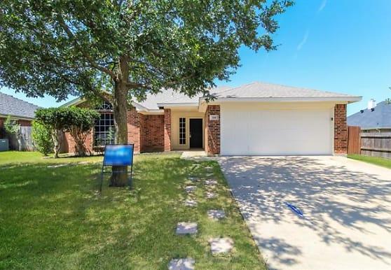 508 Birch St, Crowley, TX