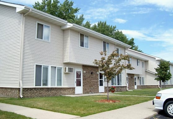 Twin Oaks Townhomes, Hutchinson, MN