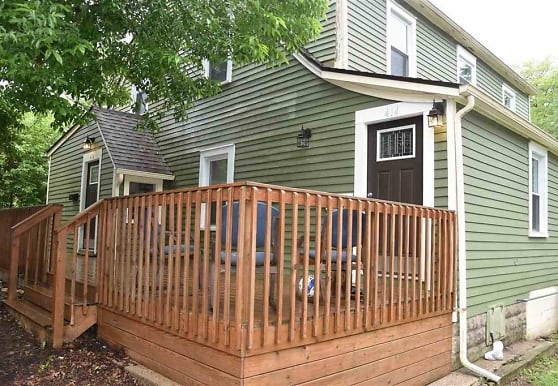 416 S Mitchell St, Bloomington, IN