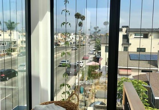 1045 W Balboa Blvd, Newport Beach, CA