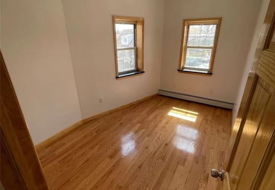 139-46 58th Ave 1FL, Queens, NY