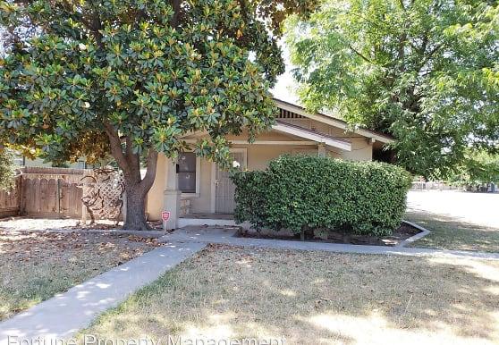 919 W Noble Ave, Visalia, CA