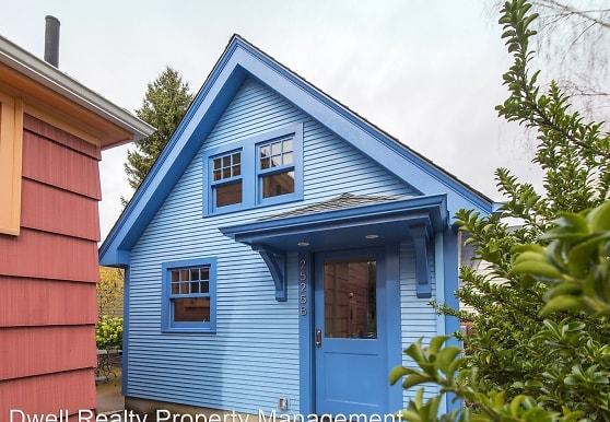 2525 NE Tillamook St, Portland, OR