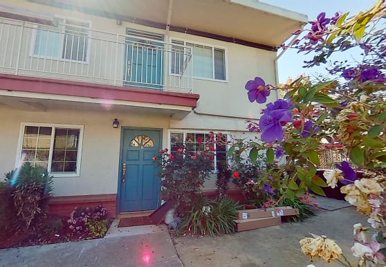 1266 62nd St, Emeryville, CA