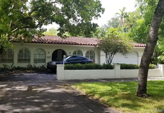 810 Anastasia Ave, Coral Gables, FL