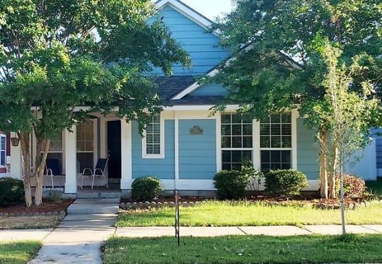 1244 King George Ln, Savannah, TX