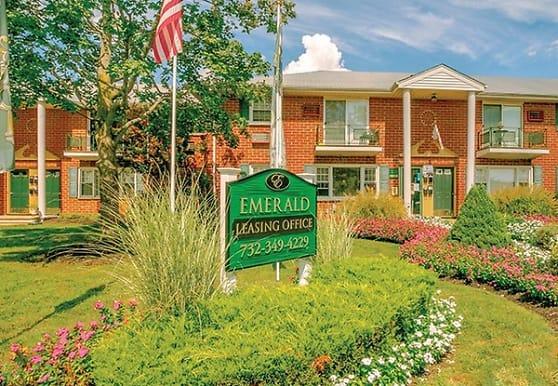 Emerald Apartments, Toms River, NJ