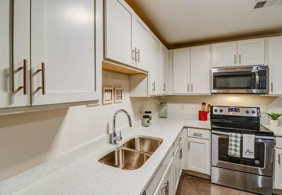 University Center Apartments Per Bed Leases Murfreesboro Tn 37130