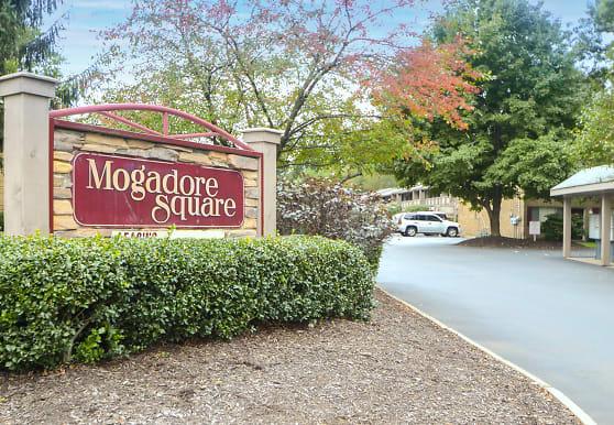 Mogadore Square, Akron, OH