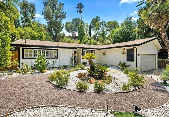5904 Laramie Ave, Los Angeles, CA