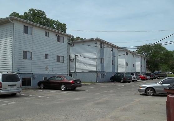 816 15th Ave SW, Cedar Rapids, IA