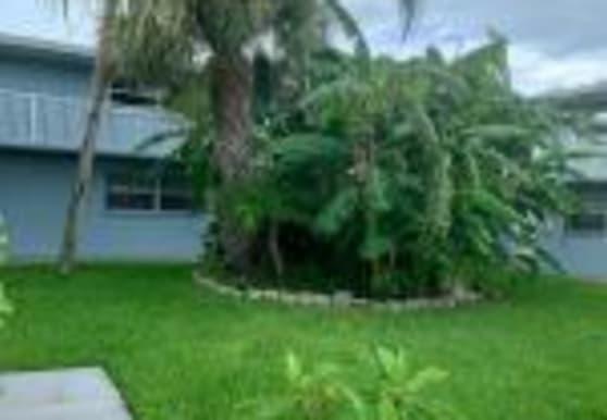 302 Lincoln Ave 14, Cape Canaveral, FL