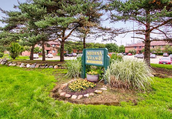 Medina Village, Medina, OH